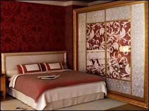 Шкафы-купе в спальню недорого
